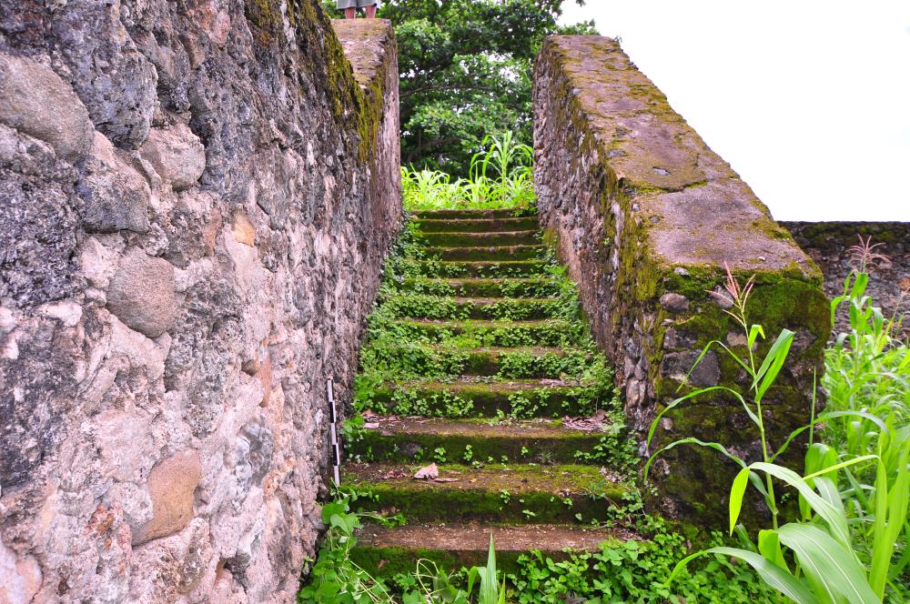 Walls of fort Leiden, Sulawesi