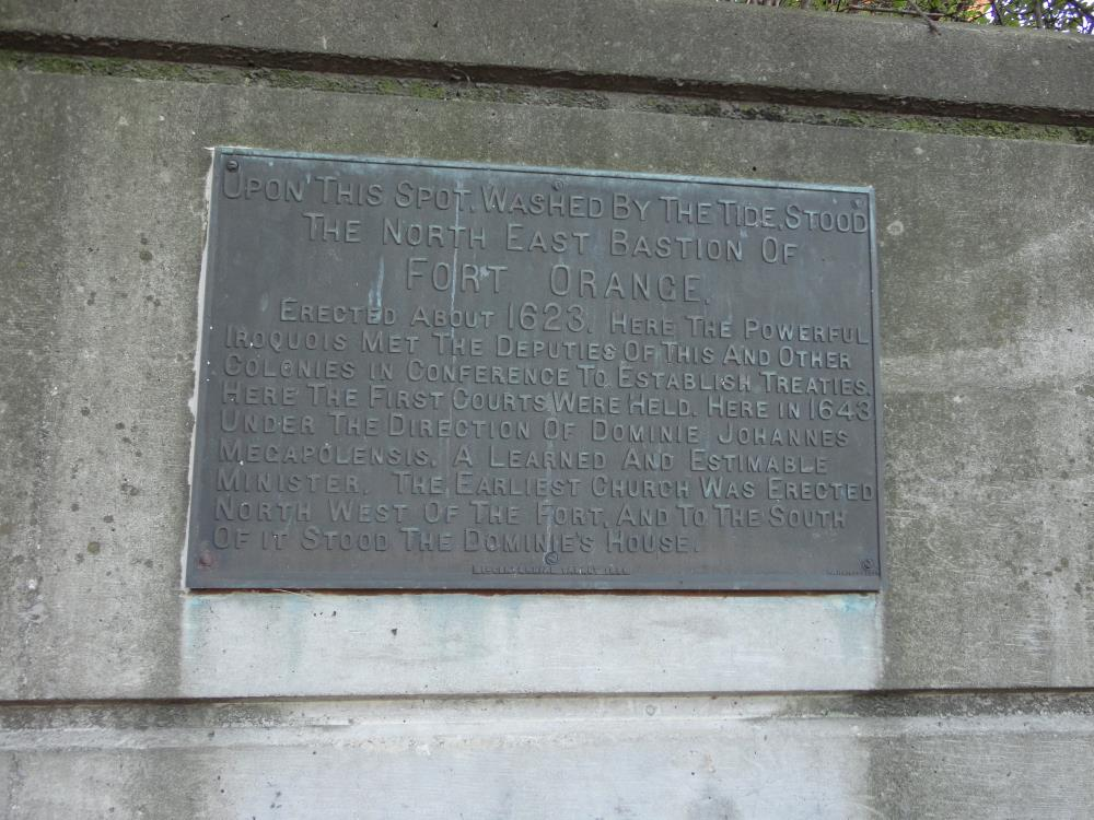 Memorial tablet, Fort Oranje, Albany, VS